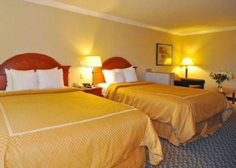 фото Comfort Suites Castro Valley 488128705