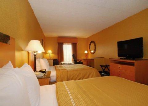 фото Comfort Suites Southpark 488130377