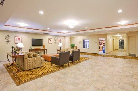 фото Candlewood Suites Eastchase Park 488130652