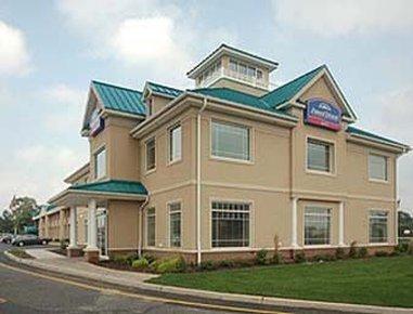 фото Howard Johnson Hotel Toms River 488132736