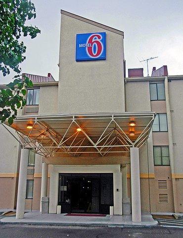 фото Motel 6 Washington Dc Sw- Springfield 488136042