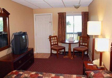 фото Rodeway Inn Tilton New Hampshire 488143705