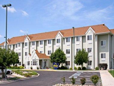 фото Microtel Inn And Suites Pueblo 488143752