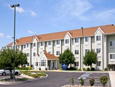 фото Microtel Inn And Suites Pueblo 488143753