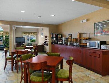 фото Microtel Inn & Suites Springville 488144431