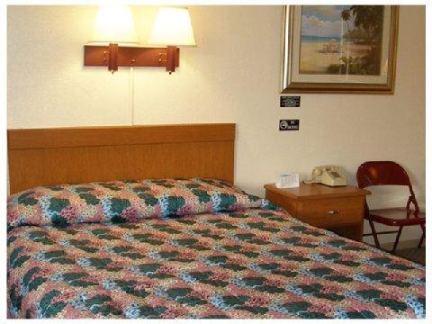 фото Red Carpet Inn South Daytona 488149474