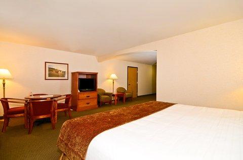 фото Best Western Oak Meadows Inn 488149758