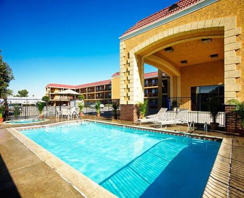 фото Portola Inn & Suites Buena Park 488150650