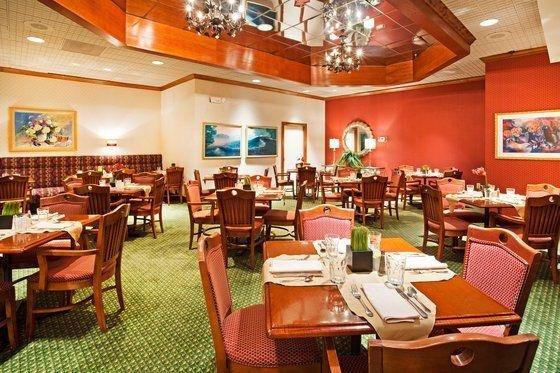 фото Crowne Plaza Hotel Hickory 488152542