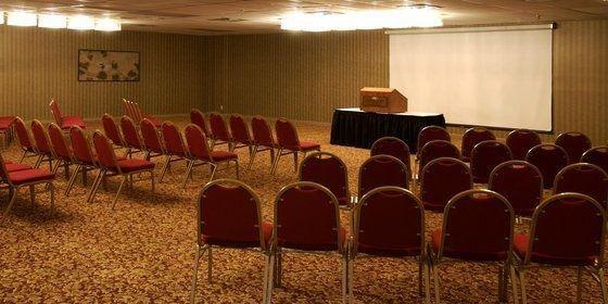 фото Crowne Plaza Hotel Hickory 488152549