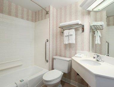 фото Travelodge Lexington 488152758