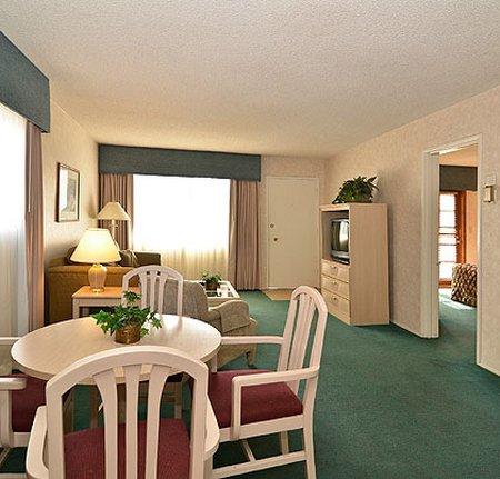 фото The Inn at Deep Canyon 488153576