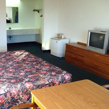 фото Logan Lodge Motel Urbana 488158096