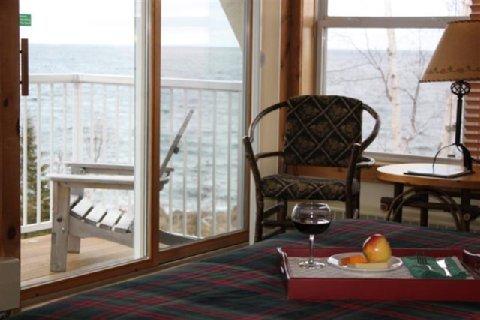 фото Cove Point Lodge 488158660
