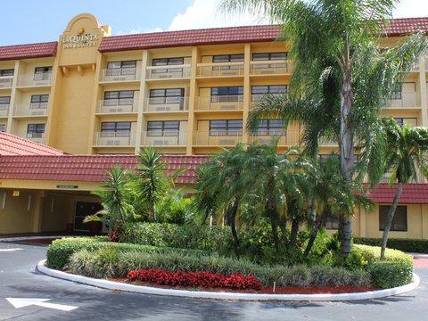 фото La Quinta Inn & Suites Coral Springs University Dr 488165132