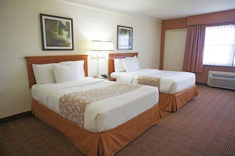 фото La Quinta Inn & Suites Coral Springs University Dr 488165135