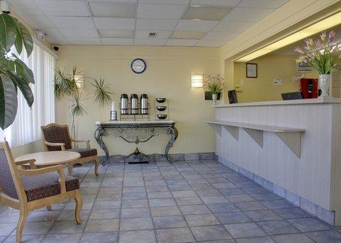фото Rodeway Inn Saint Charles 488165299