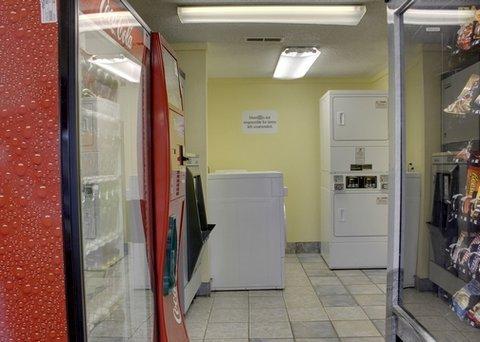 фото Rodeway Inn Saint Charles 488165305