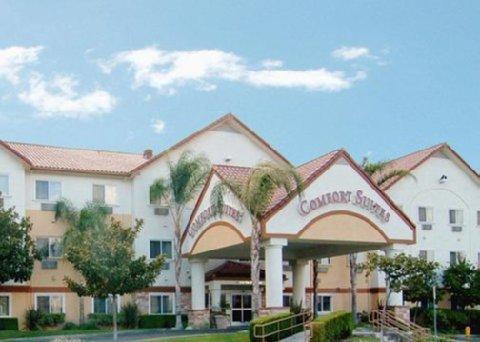 фото Comfort Suites Near Six Flags Magic Mountain 488168274