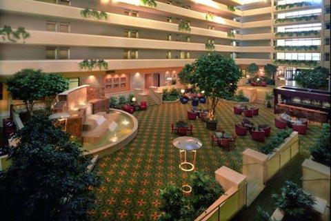 фото University Plaza Hotel 488170620