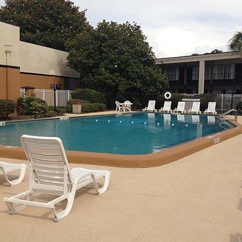 фото Astoria Hotel Suites -Orange Park 488170804