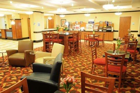 фото Holiday Inn Express Bainbridge 488172716