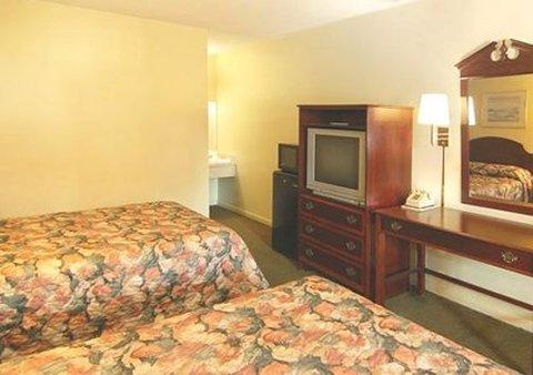фото Econo Lodge North Charlottesville 488174816