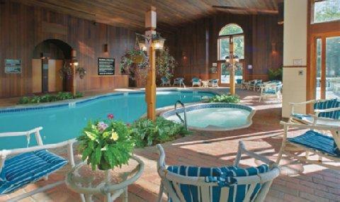 фото Nordic Village Resort 488175042