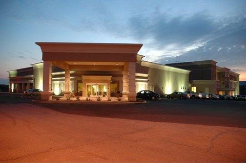 фото Holiday Inn Martinsburg 488175555