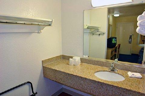фото Motel 6 Camp Springs 488178747