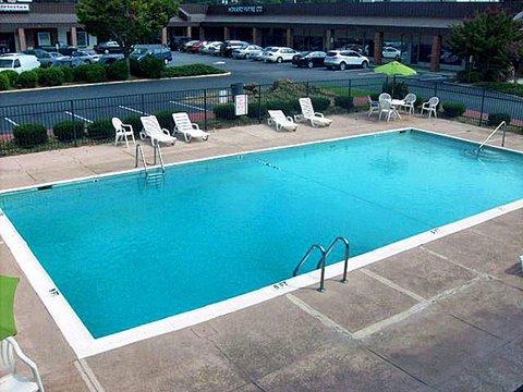 фото Motel 6 Atlanta-Northeast 488180265