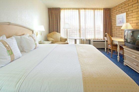 фото Holiday Inn Canyon De Chelly-Chinle 488180300