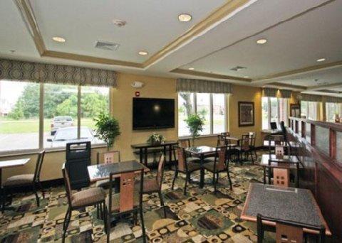 фото Comfort Suites Biloxi/Ocean Springs 488183479