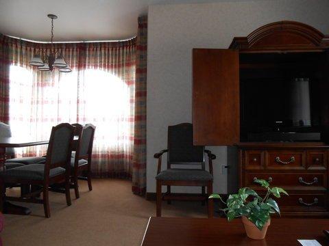 фото Best Western Plus A Wayfarer`s Inn & Suites 488183734