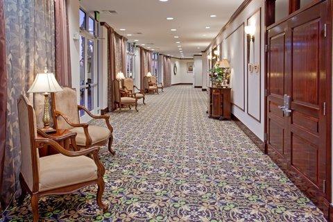 фото Holiday Inn Hotel & Suites - Aggieland 488183964
