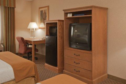 фото Holiday Inn Express PERRYSBURG (I-75) 488185964