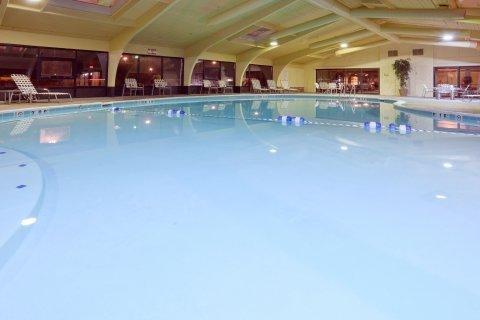 фото Holiday Inn Express PERRYSBURG (I-75) 488185973