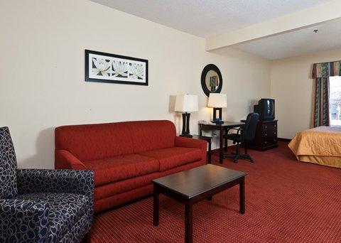 фото Comfort Inn & Suites 488189091