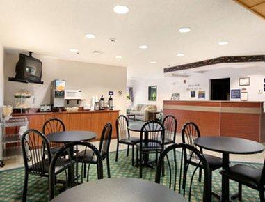 фото Microtel Inn & Suites by Wyndham Mason 488190177