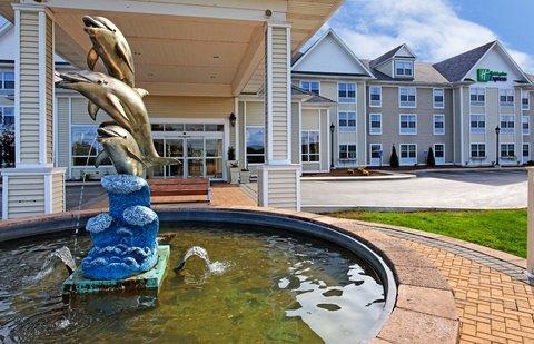 фото Holiday Inn Express Mystic 488190314