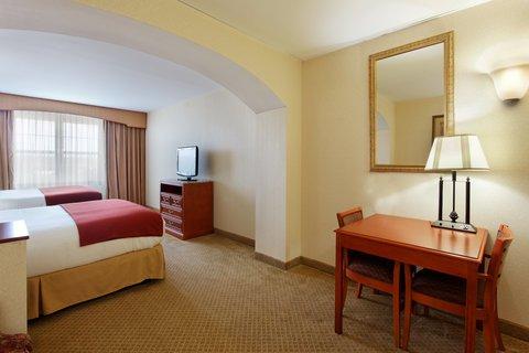 фото Holiday Inn Express Mystic 488190323