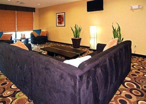 фото Comfort Suites Bridgeport 488190338