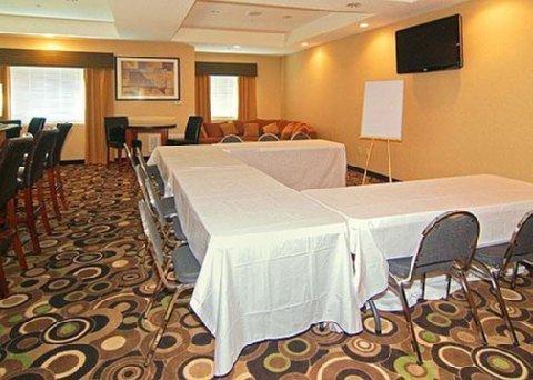 фото Comfort Suites Bridgeport 488190347