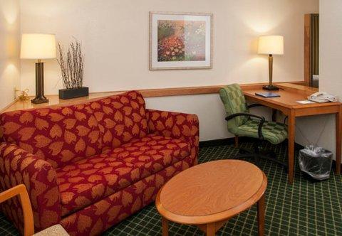 фото Fairfield Inn & Suites Savannah I-95 South 488190812