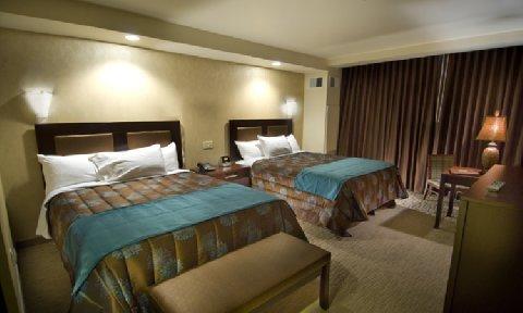 фото Seven Feathers Casino Resort 488193216