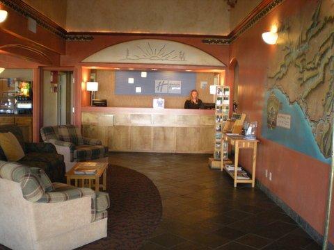 фото The Redwood Fortuna Riverwalk Hotel 488194159