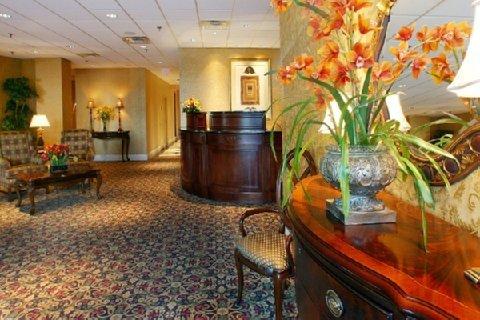 фото Regency Suites Hotel Midtown 488207455