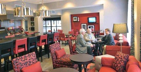 фото Hampton Inn Birmingham/Leeds 488207943