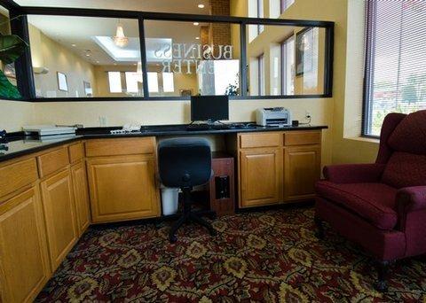 фото Comfort Suites Hagerstown 488208022