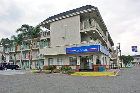 фото Motel 6 Anaheim - Fullerton East 488208504